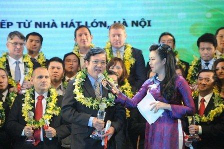 Ông Nguyễn Văn Đạo Phó Tổng Giám đốc Samsung Vietnam đang chia sẻ về thành tựu của Samsung tại Việt Nam