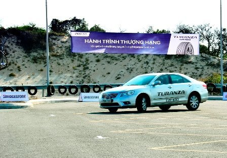 Trải nghiệm lốp mới TURANZA GR-100 trên khu thử lái 2
