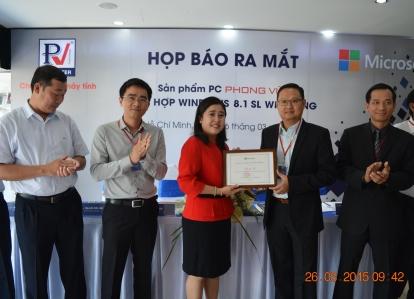 Phong Vũ giới thiệu chiếc PC thương hiệu Việt dùng Windows 8.1