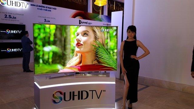 Samsung giới thiệu TV SUHD màn hình cong thế hệ mới 2015