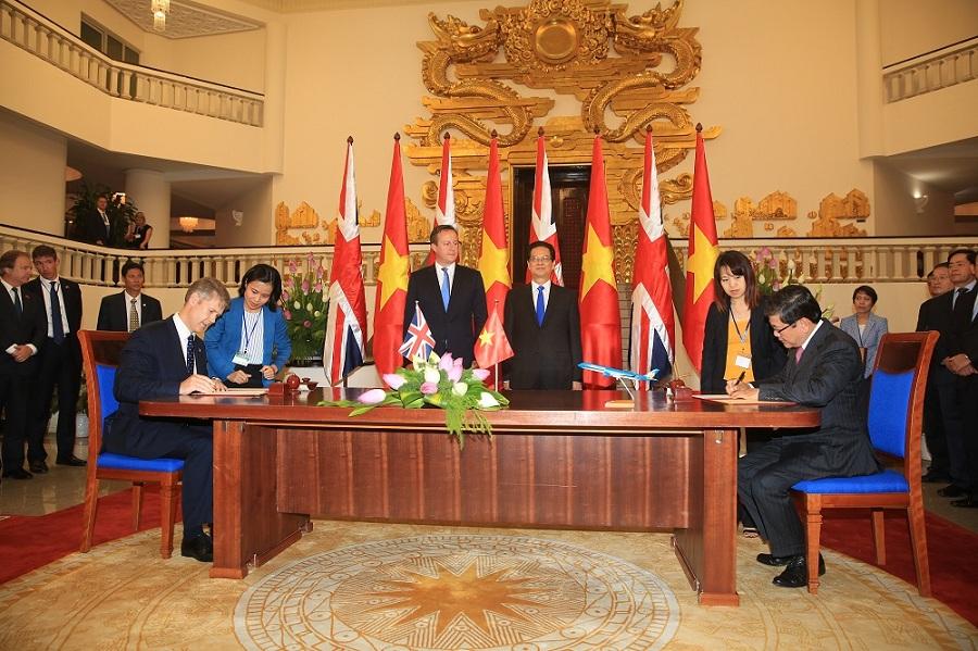 Rolls-Royce hợp đồng bảo dưỡng động cơ cho Vietnam Airlines trị giá 580 triệu USD
