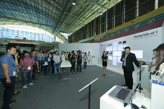 ASUS EXPO 2015 Booth Tour