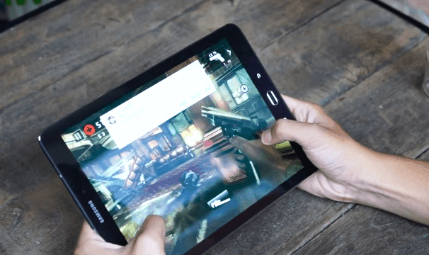 Samsung Galaxy Tab S2 - playing game