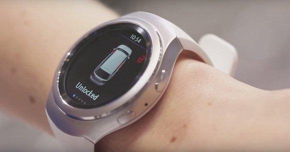 3 Đồng hồ đeo tay của Samsung Gear giúp kiểm tra cửa xe ô-tô đã được khóa hay chưa