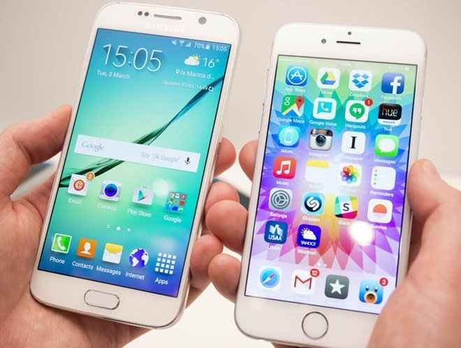 galaxys6iphone6comparisonsidehands