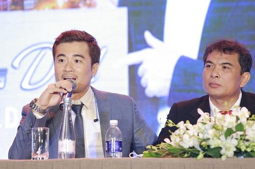 Ông Trịnh Khắc Huy - Tác giả kiêm Tông Giám đốc dự án SILDEAL đang trả lời câu hỏi của phóng viên tại buổi lễ công bố wesite www.sildeal.vn