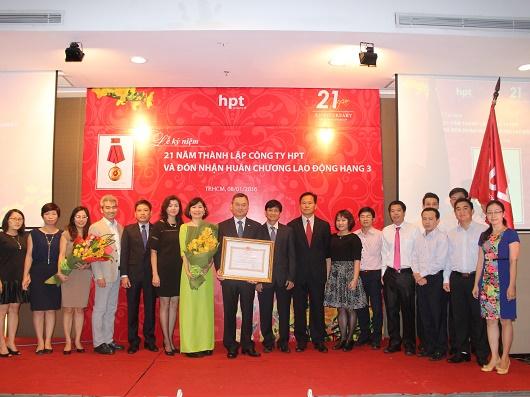 HPT đón nhận Huân chương lao động hạng 3