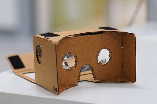 Bai 1 - Nhiều công nghệ mới được kỳ vọng tại Google IO 2016 - Google Cardboard VR mount