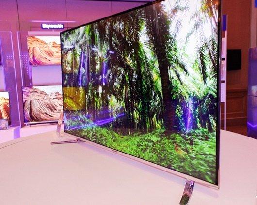 Dòng TV mới của Skyworth có 3 kích thước màn hình 43 inch 49 inch 55 inch với mức giá lần lượt là 139 triệu đồng 189 triệu đồng 249 triệu đồng 2