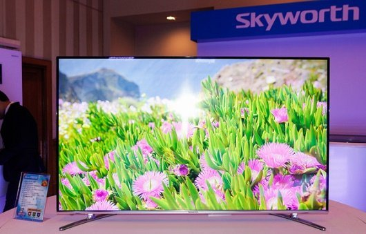 Dòng TV mới của Skyworth có 3 kích thước màn hình 43 inch 49 inch 55 inch với mức giá lần lượt là 139 triệu đồng 189 triệu đồng 249 triệu đồng 3