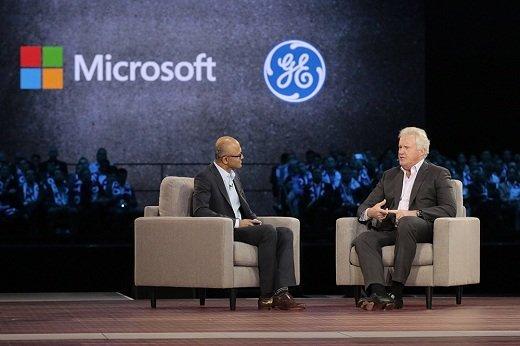 GE và Microsoft hợp tác đẩy mạnh tiến trình đưa nền tảng Predix vào Azure Nadella Immelt onstage web