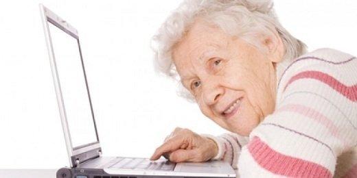 Nguy cơ an toàn mạng ở người lớn tuổi