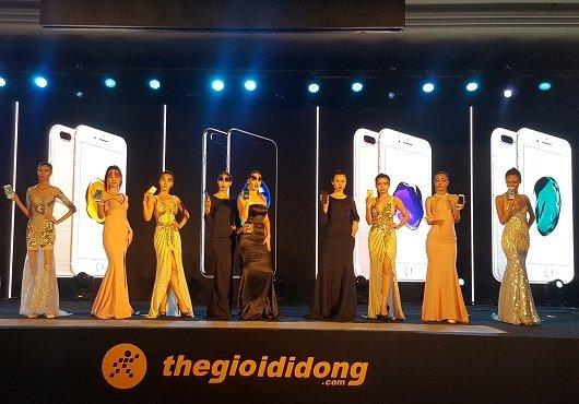 Hơn 8500 khách đặt cọc iPhone 77plus tại TheGioiDiDong 2