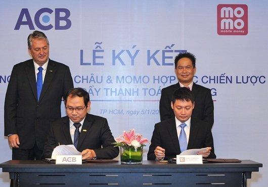 ACB hợp tác MoMo thúc đẩy thanh toán di động